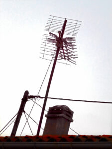 Antennen in  Les Rouvieres, Provence