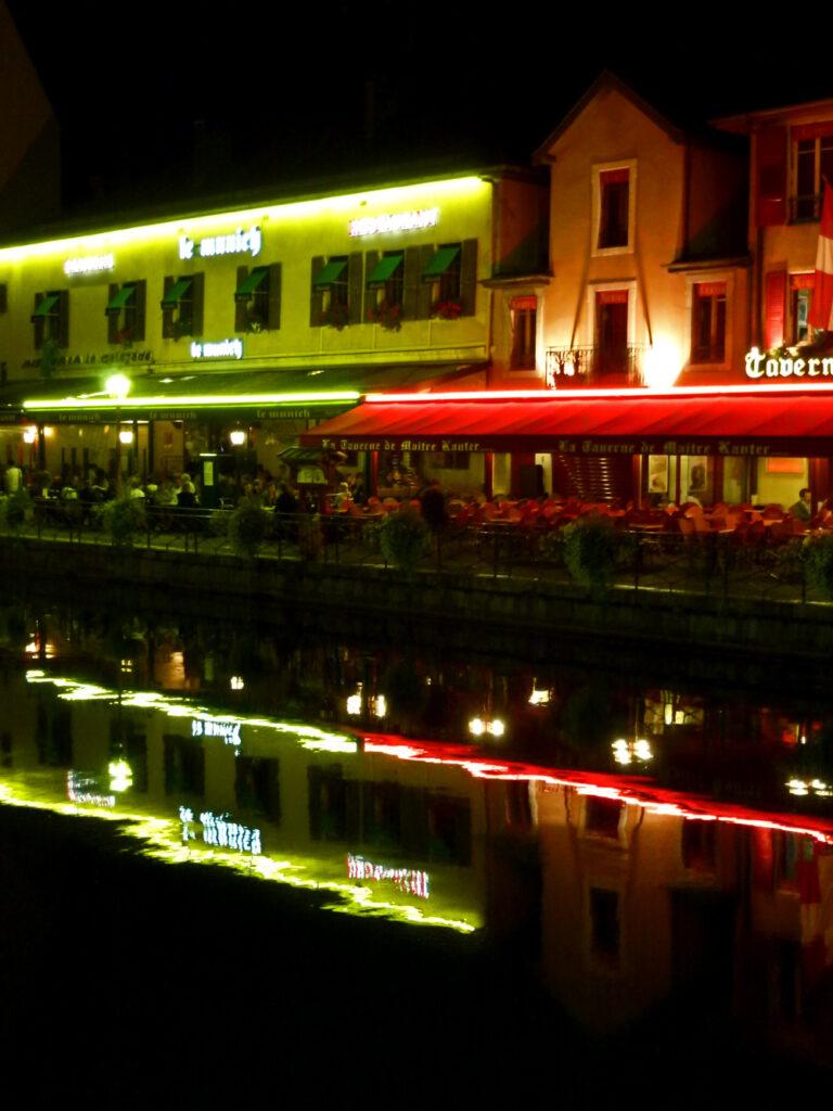 Annecy bei Nacht